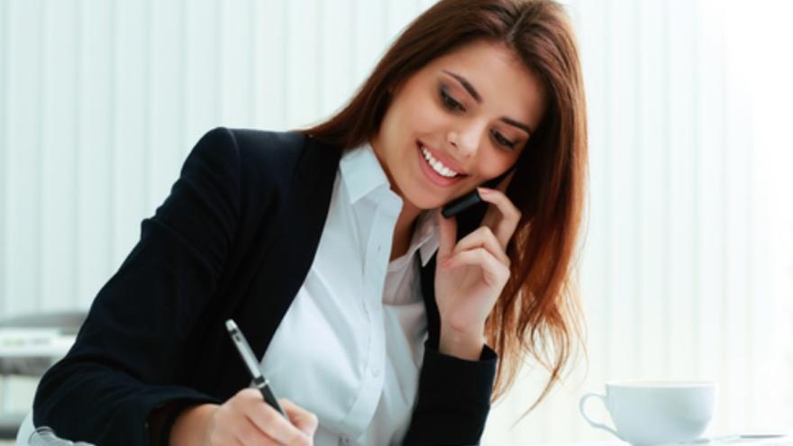 ¿Te gustaría trabajar como agente inmobiliario/a? Estas ofertas de empleo, te interesan