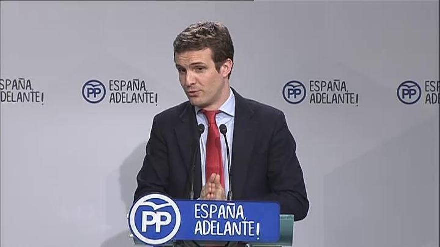 """El PP admite que la situación de Sánchez """"se complica"""""""
