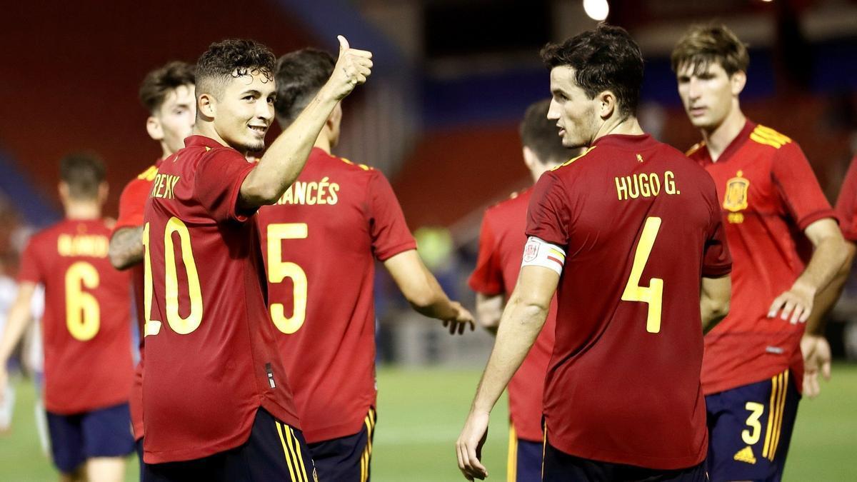 Yeremi Pino marcó dos goles con la selección española sub-21 a Rusia.