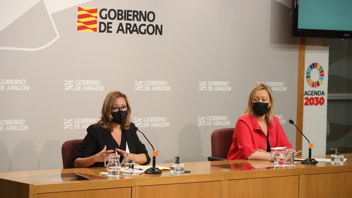 Mayte Pérez y Marta Gastón, este miércoles en la rueda de prensa tras el Consejo de Gobierno.