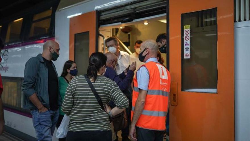 El Gobierno promete invertir 844,61 millones en instalaciones ferroviarias catalanas para seducir a ERC