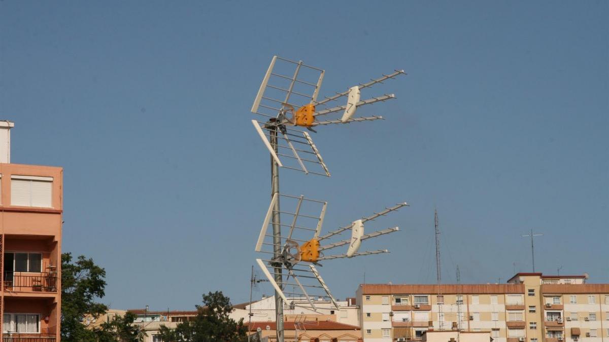 Los primeros encendidos de nuevas frecuencias de TDT arrancan en 94 pueblos de Cáceres