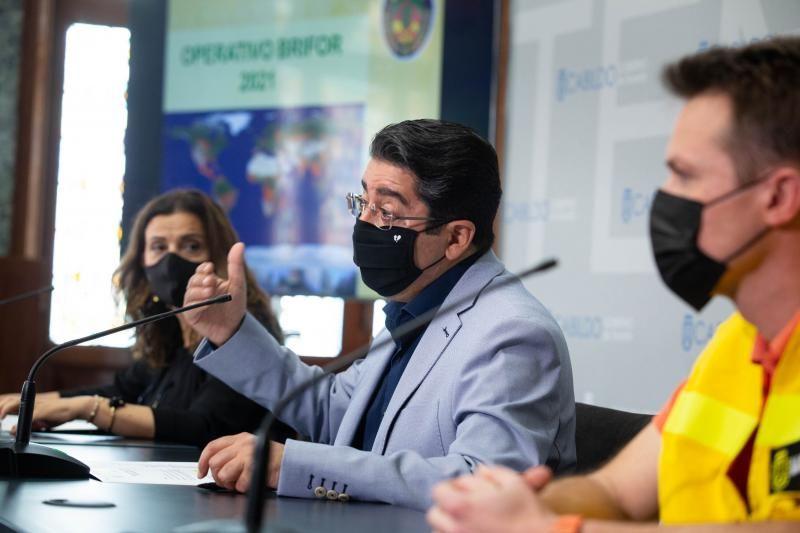 Campaña contra incendios forestales en Tenerife