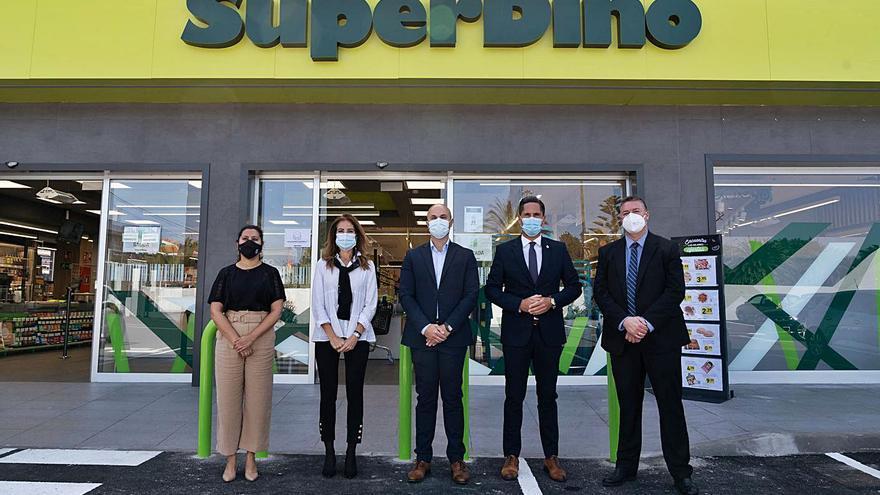 La cadena canaria HiperDino inaugura un supermercado en La Laguna