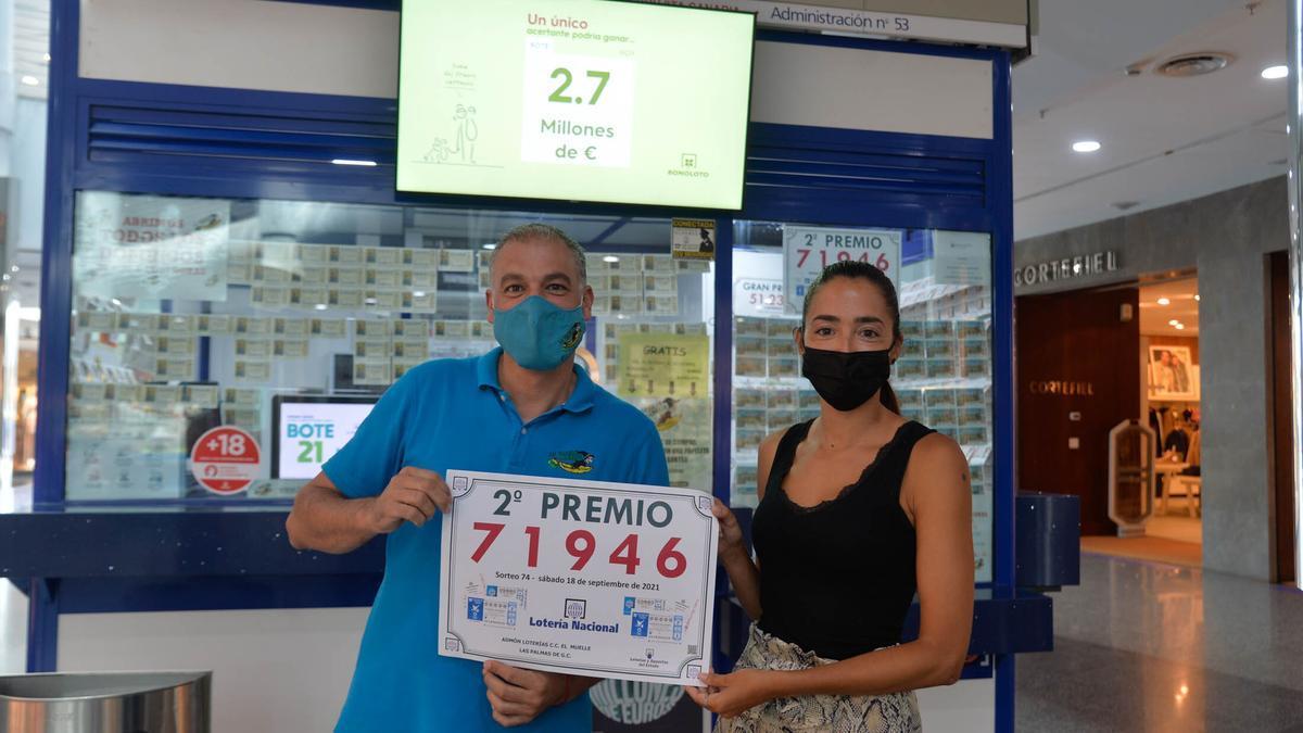 Administración de Lotería del Centro Comercial El Muelle.