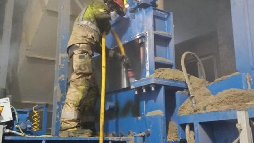 Sofocado un incendio en la deshidratadora de Capdesaso, en Huesca