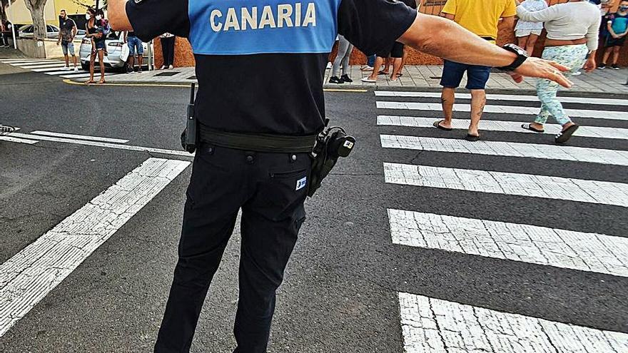Una veintena de policías controlarán cada día el tráfico en los colegios
