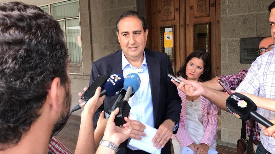 Morales subvenciona con 45.000 euros a un grupo ligado a su exvicepresidente