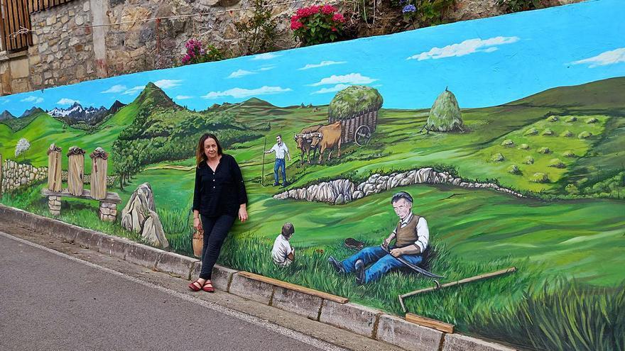 La artista canguesa Paz Ardines firma el nuevo mural costumbrista de Nieda