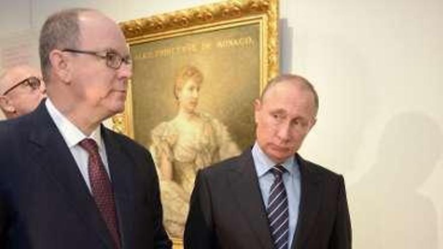 Alberto de Mónaco y Putin inauguran una muestra sobre las dinastías Grimaldi y Romanov