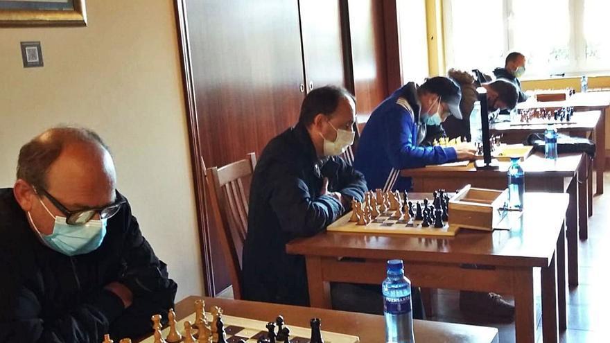 El ajedrez, deporte adaptado en Trevías