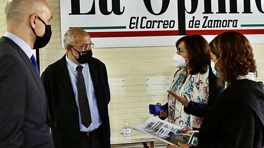 El vicepresidente de la Junta conoce el trabajo de LA OPINIÓN-EL CORREO