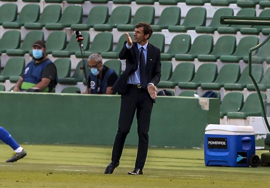 Partido entre el Elche y el Real Oviedo