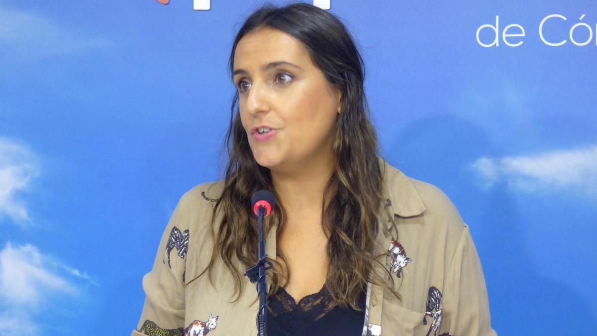 La parlamentaria andaluza del PP Beatriz Jurado, durante la rueda de prensa.