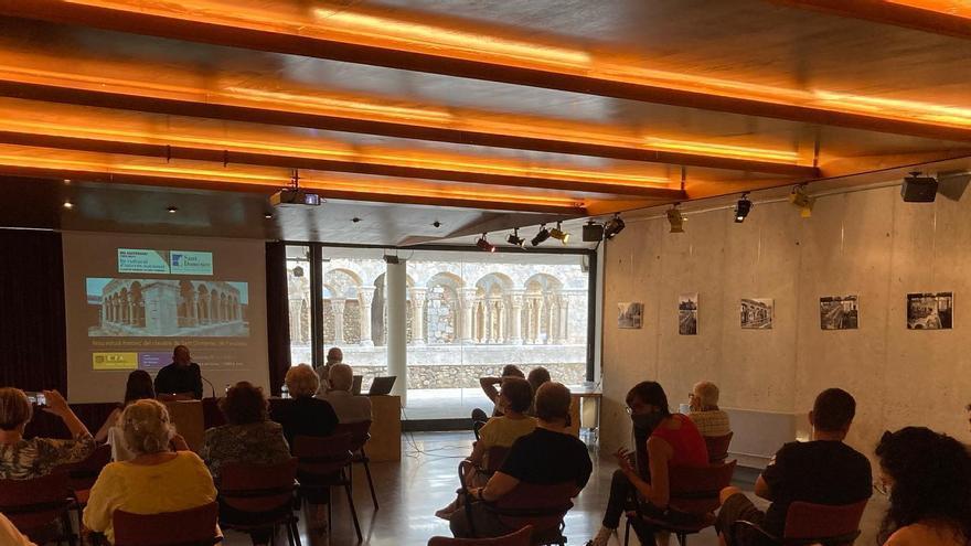 Peralada presenta un nou estudi historicoartític sobre el claustre de Sant Domènec