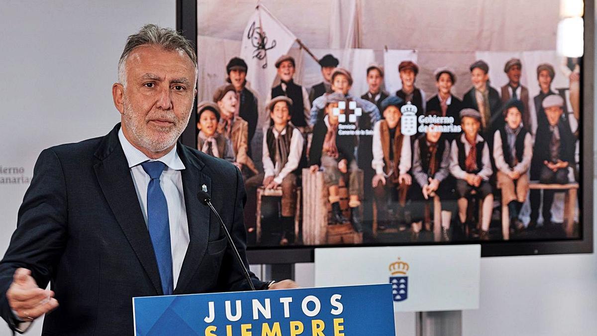 Ángel Víctor Torres, ayer, durante la presentación de la campaña de vacunación de Canarias.