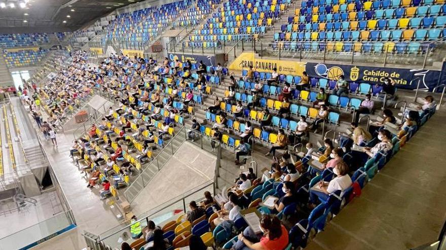 Casi 4.000 personas acuden al Gran Canaria Arena en busca de un empleo