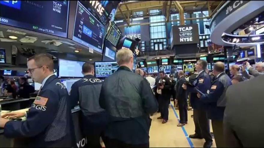 El Dow Jones de Industriales alcanza por primera vez los 20.000 puntos