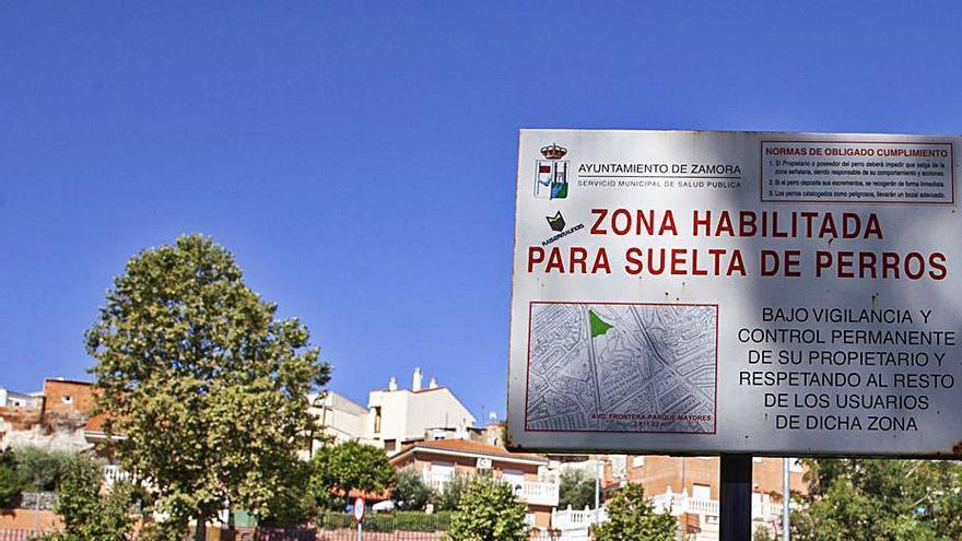 Multas en Zamora de 150 euros por no recoger las cacas de los perros