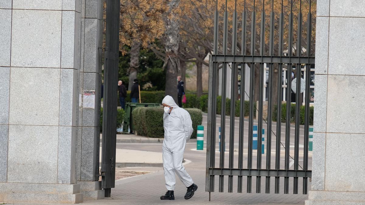 El cementerio Virgen de los Dolores de Elda en las primeras semanas de la pandemia.