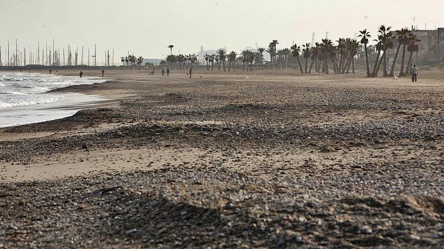 Canet rechaza perder más playa y exigirá acciones a Costas