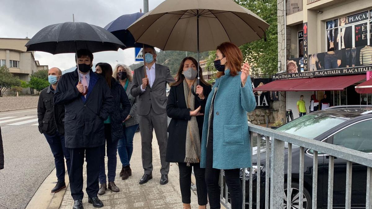 Les autoritats visitant la Jonquera