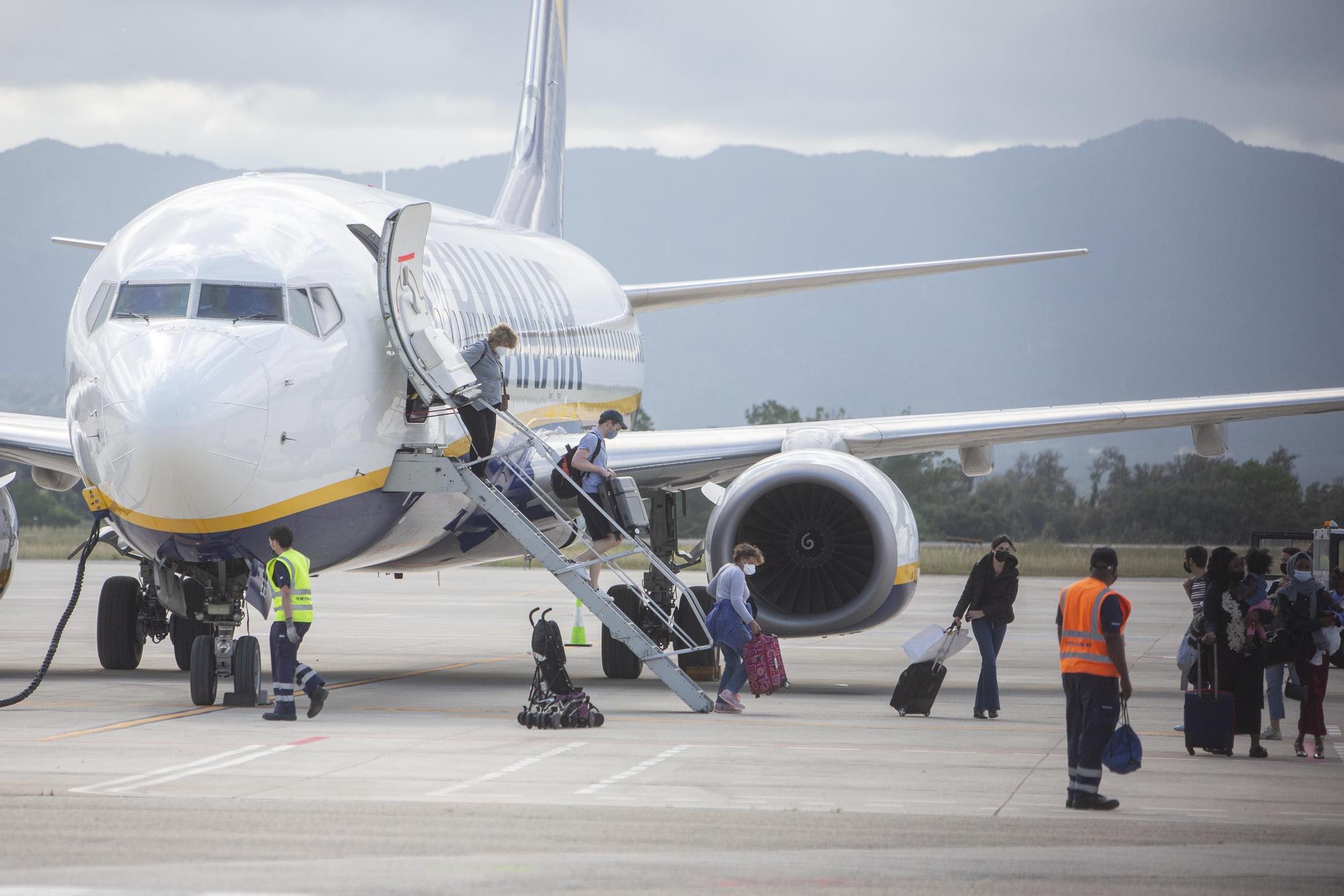 Ryanair torna a dur turistes a Vilobí d'Onyar