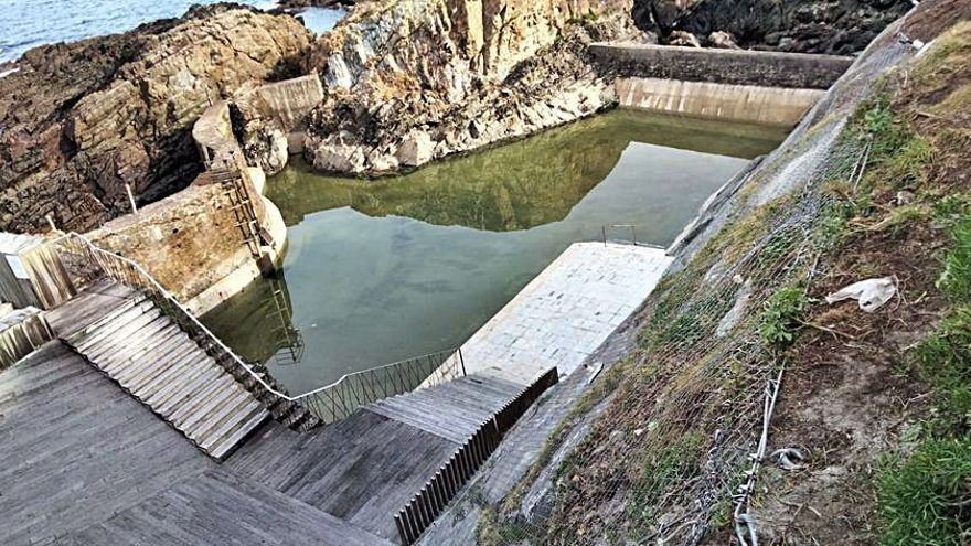 Lista la obra de fijación del talud de la piscina salada de Tapia