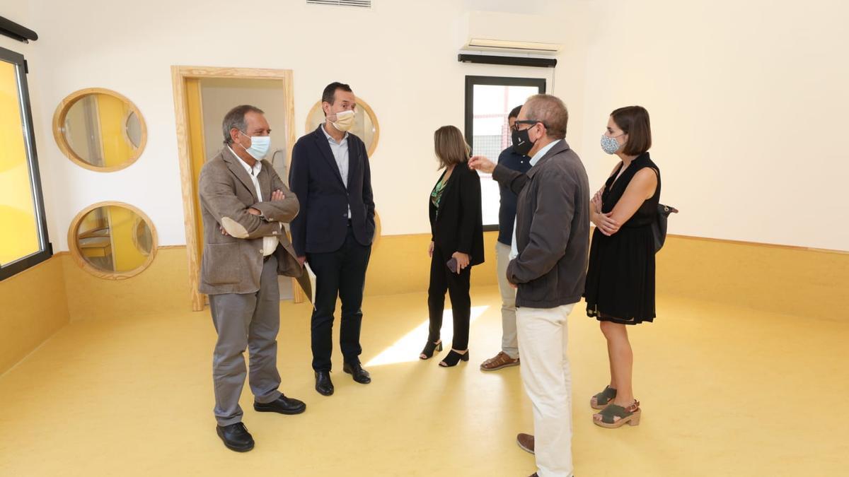 La visita al colegio de Valverde.