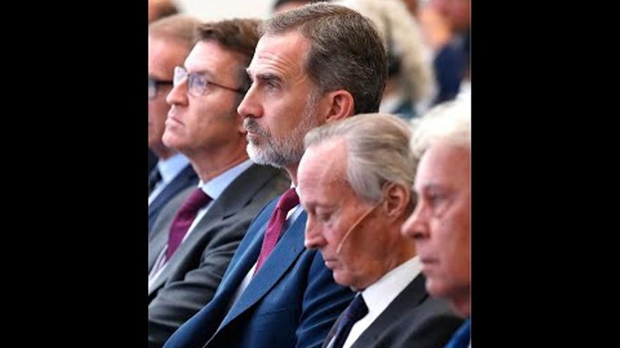 El Rey inaugura el Foro La Toja al que asisten Sánchez, González y Rajoy