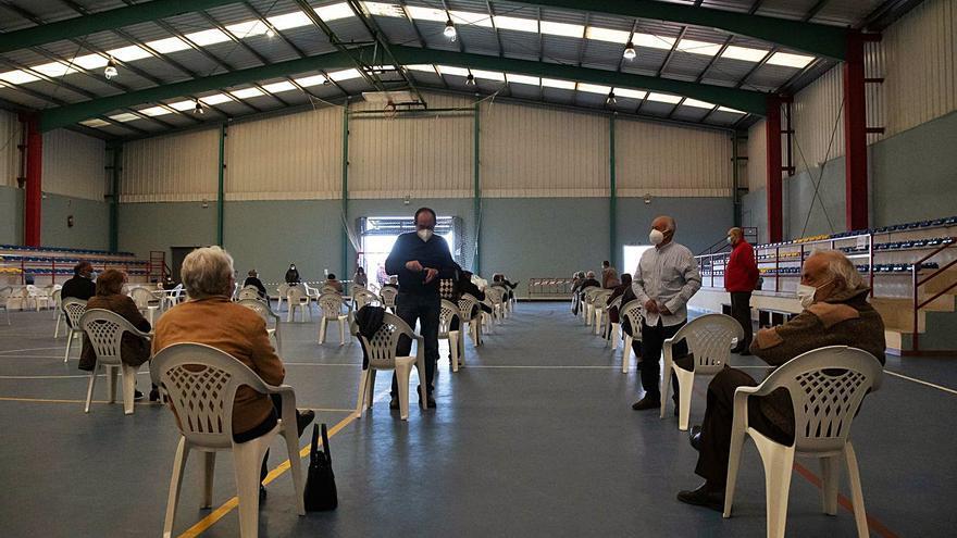 Corrales del Vino, epicentro de vacunación para 450 vecinos de entre 70 y 79 años