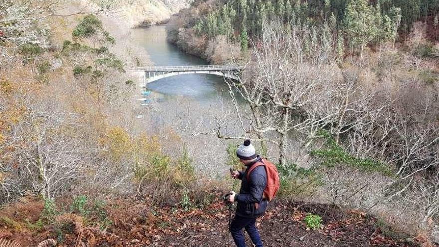 """La gran senda del Navia espera ser declarada """"obra de interés general"""""""