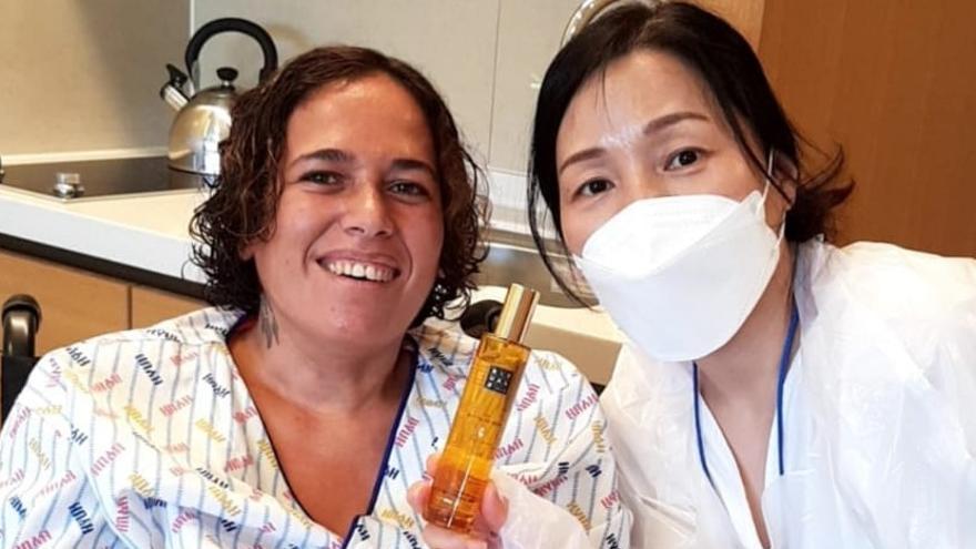 """Mercedes Álvarez, la cambadesa que se ha tratado de AME en Corea: """"Salió todo genial"""""""