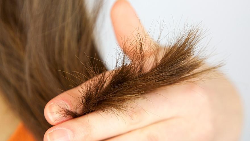 El truco casero para evitar las puntas abiertas y no tener que cortarse el pelo