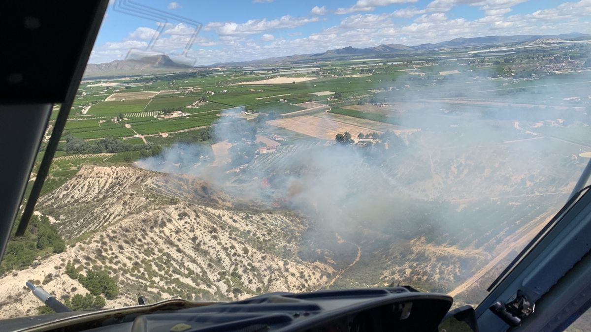 Imagen tomada desde el helicóptero a su llegada al lugar del incendio