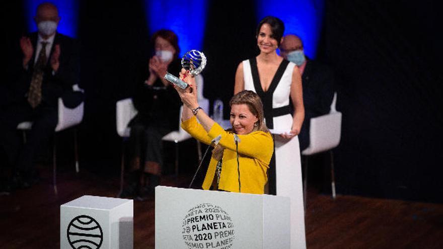 Eva García Sáenz de Urturi gana el Premio Planeta 2020 con la novela 'Aquitania'