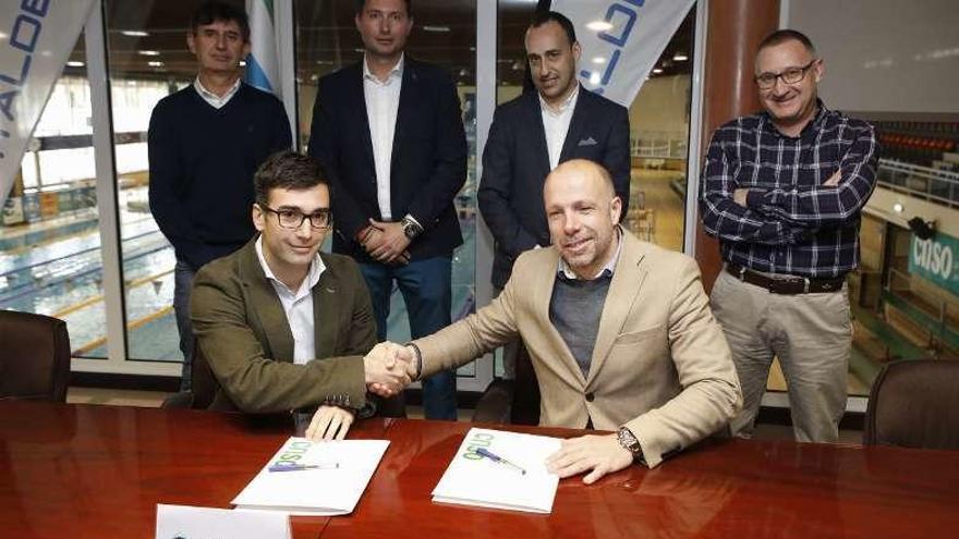 Acuerdo de colaboración entre el Santa Olaya y la firma Vitaldent