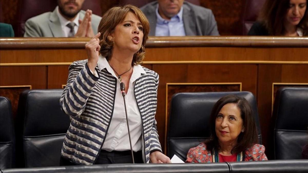 La ministra Delgado admite tres encuentros con Villarejo mientras era fiscal