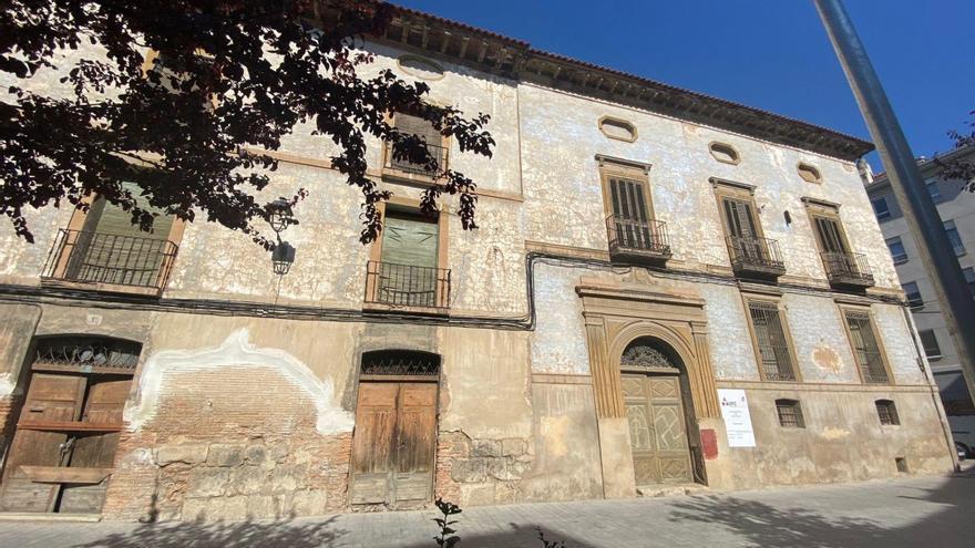 Una gran lona cubrirá el lateral del Palacio de Villa Antonia en Calatayud