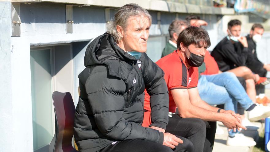 Rafa Sáez deja el banquillo para asumir la dirección deportiva del Arosa
