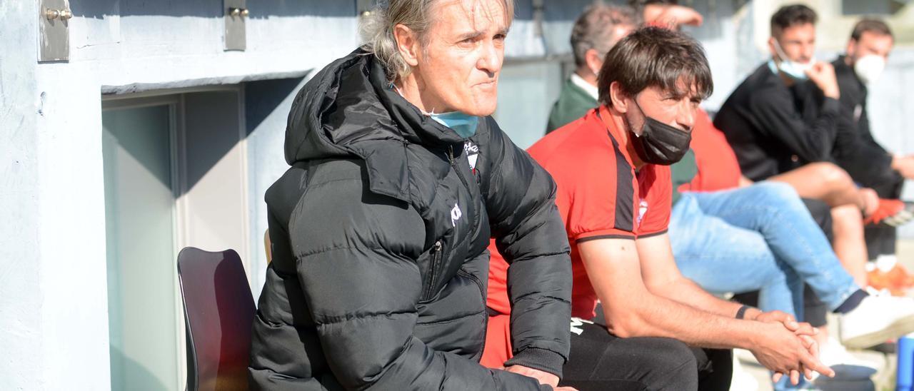 Rafa Sáez deja el banquillo, que no el Arosa, tras tres temporadas como técnico.