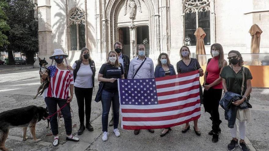 US-Bürger auf Mallorca feiern Ausgang der Präsidentschaftswahl