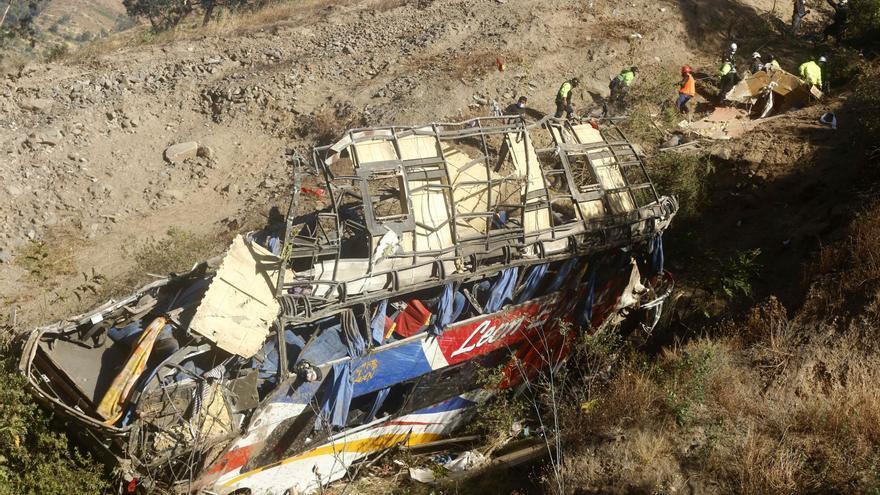 Un brutal accidente de autobús deja al menos 33 muertos en Perú
