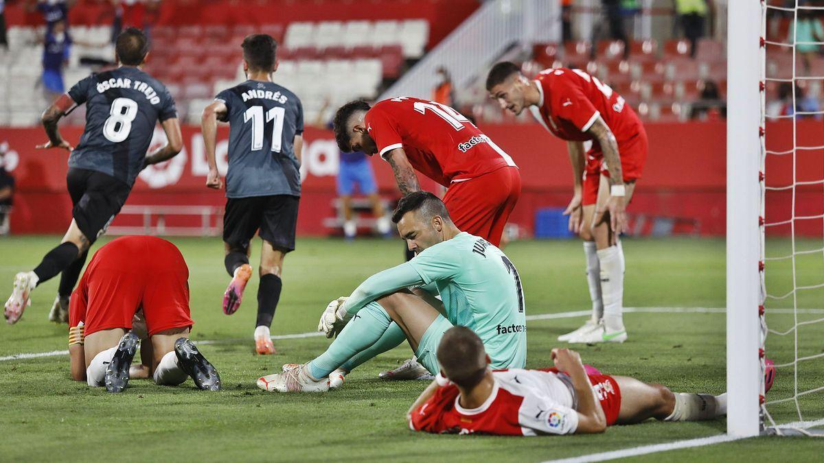 Álvaro va fer el 0-2 just abans d'arribar al descans.