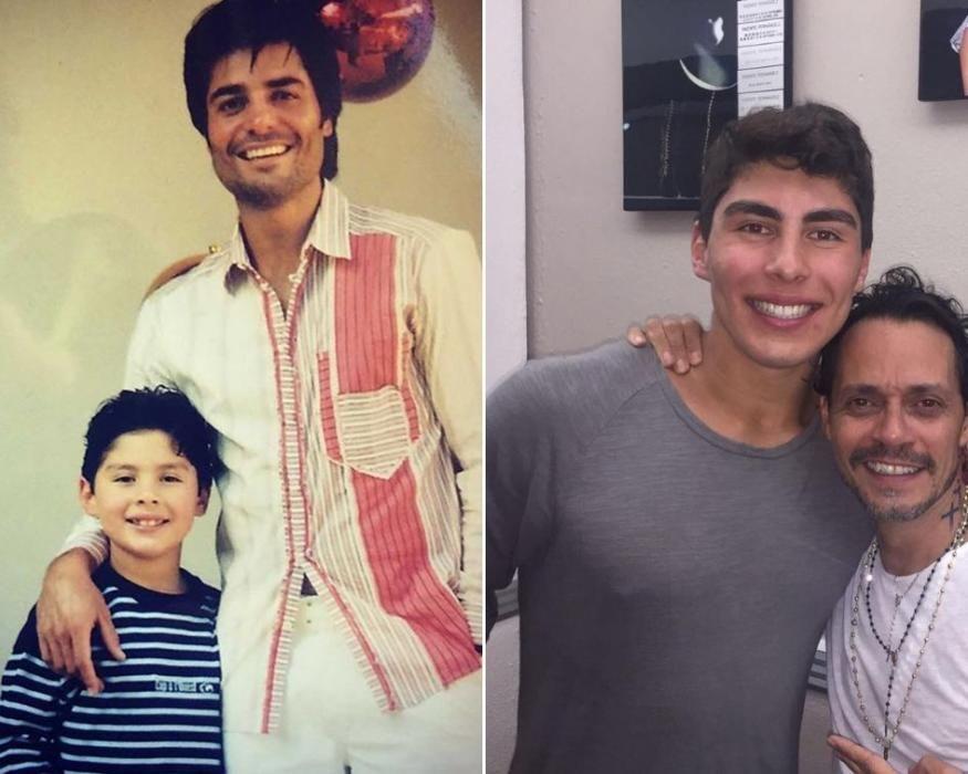 El hijo de Chayanne. El de los collares es Marc Anthony.
