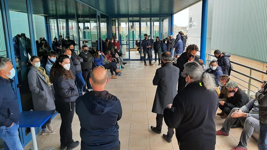 """Los trabajadores de IB3 convocan una huelga el viernes 23 por el """"desprecio"""" de la concesionaria de los informativos"""