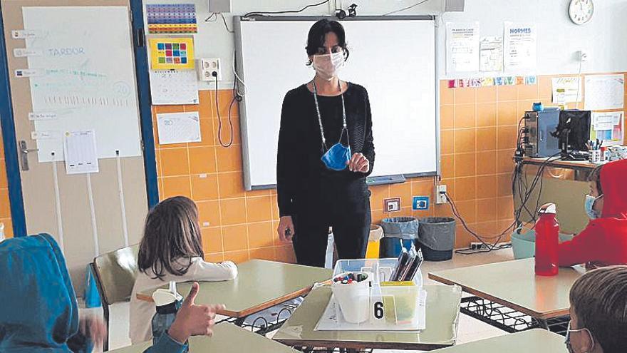 Mascarillas transparentes para atender a niños con déficit auditivo
