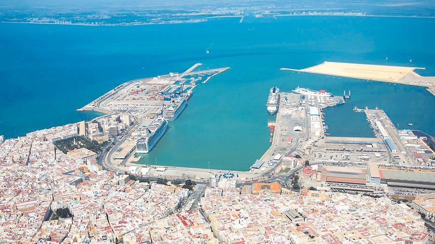 Boluda compra la terminal de contenedores del Puerto de Cádiz para crecer con Canarias
