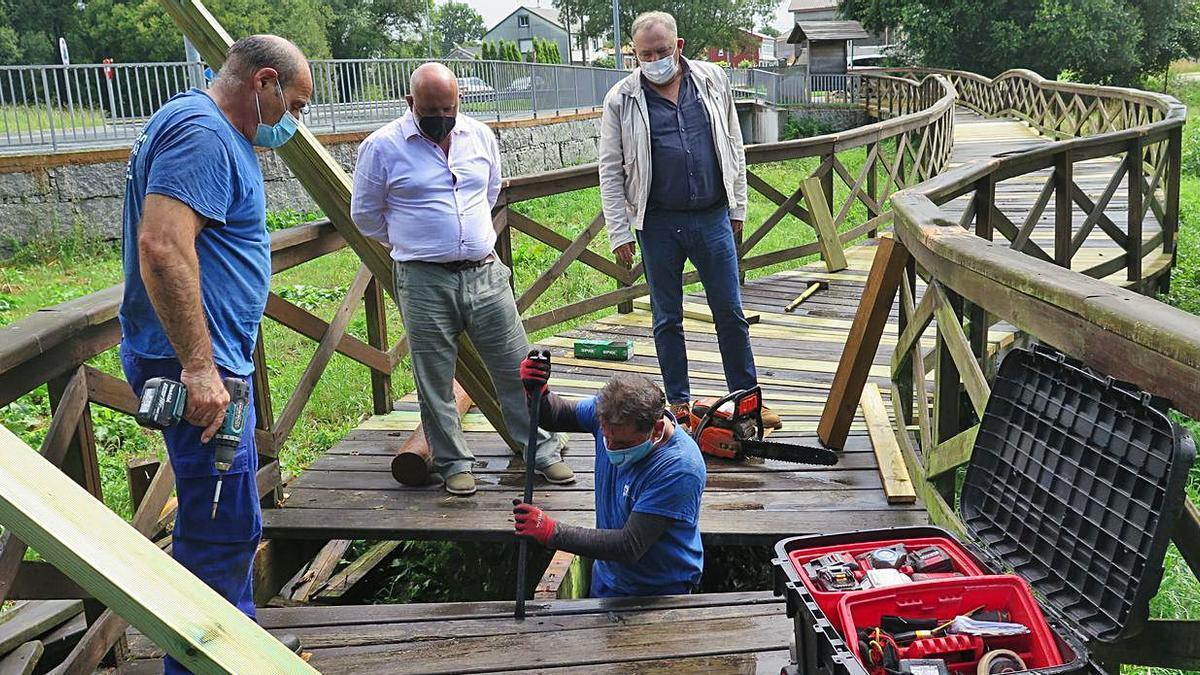 Mejoras en los paseos fluviales de los ríos Anllóns y Vilán   LA OPINIÓN