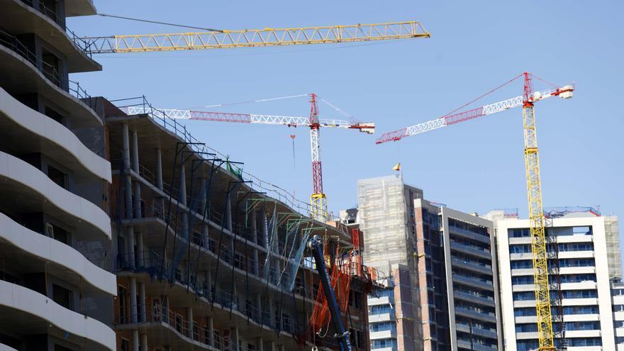 La construcción necesita ya más de 10.000 trabajadores en Aragón